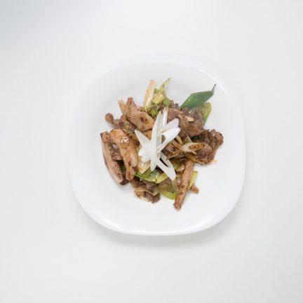 제주식 돼지 뒷고기 볶음(돼지적갈)